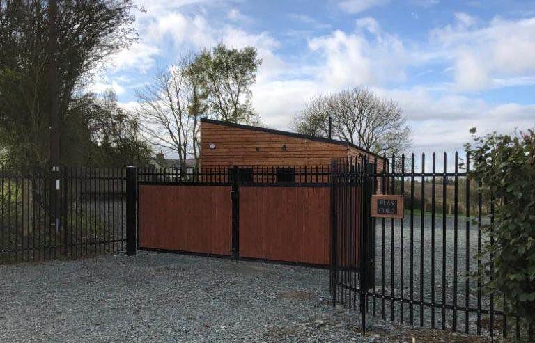 gates-r5kan2.jpg